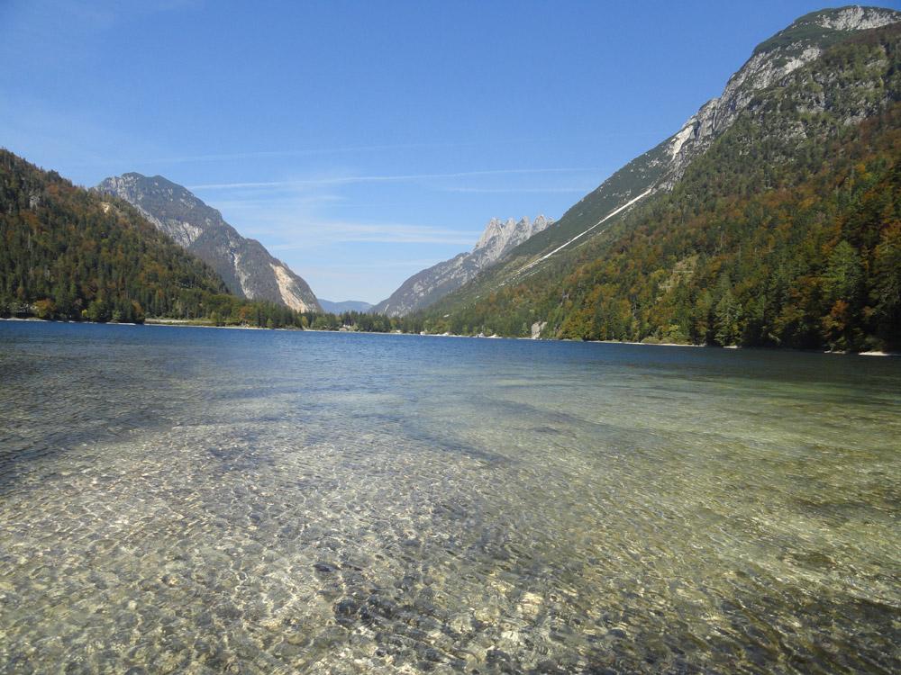 lago-dalla-spiaggetta-sotto-monte
